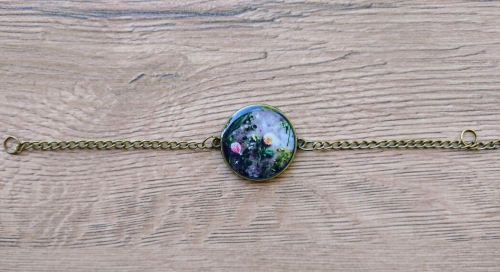 Rounded glazed bracelet with flowers image, by Anahit Harutyunyan