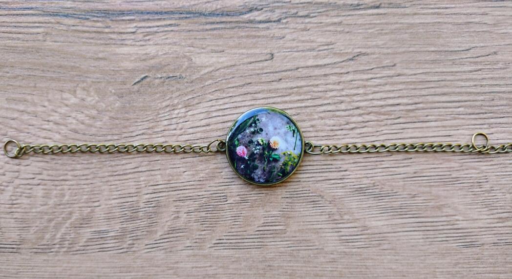 Rounded glazed bracelet with flowers image, by Anahit Harutyunyan
