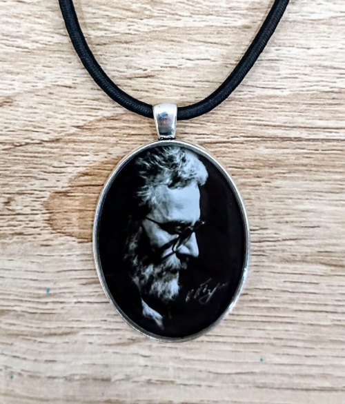 Oval glazed necklace with Arthur Meschian image, by Anahit Harutyunyan