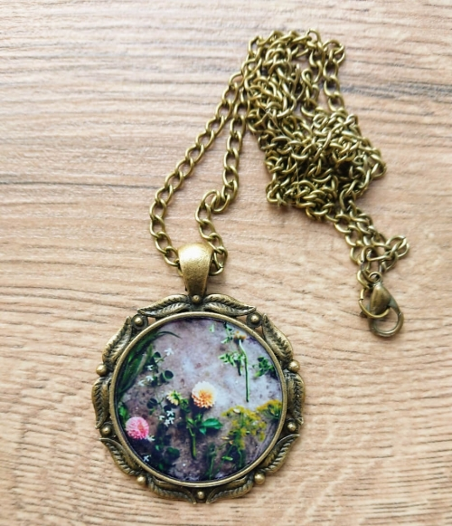 Oval glazed necklace with flowers image, by Anahit Harutyunyan