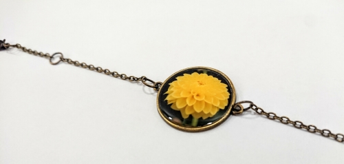 Rounded glazed bracelet with the image of flowers, by Anahit Harutyunyan